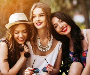 Manu Cosmetics Friends